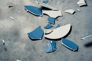 Schicksalsschläge können Mieter zahlungsunfähig machen – die Mietausfallversicherung schützt den Vermieter
